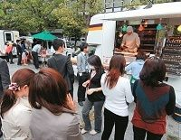 昼食難民の救世主、移動販売車「ネオ屋台村」のオキテ