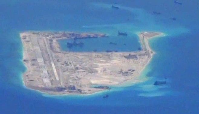 南シナ海で実力行使、高まる米中衝突の危機