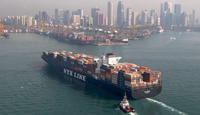 コンテナ船、欧州航路が最安値に沈んだ理由