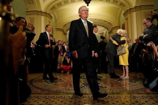 米上院、共和党のオバマケア代替法案を否決
