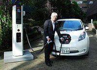 EVの普及拡大につながるか−−日産が100万円切る新型急速充電器を投入