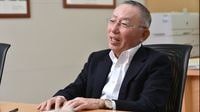 Uniqlo's Yanai Says Japan Needs Immigrants to Stay Competitive
