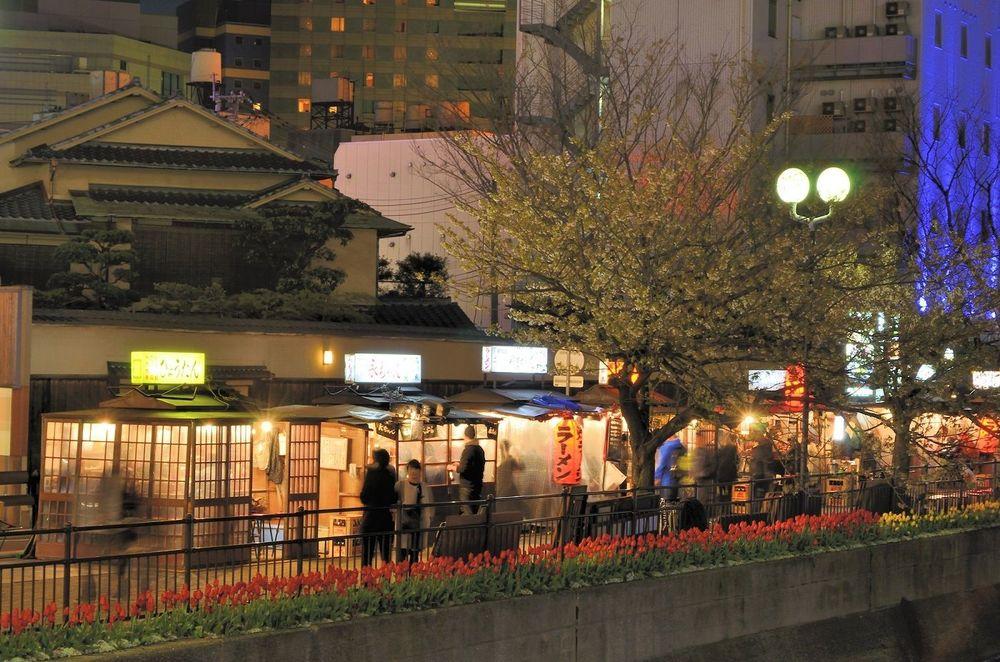 東京人の知らない「福岡屋台」を満喫するツボ | qBiz 西日本新聞 ...