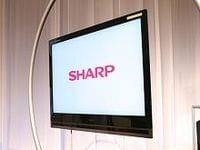 シャープは今期最終赤字転落、主力の液晶関連事業が大誤算、テレビ用パネル工場で大規模生産調整