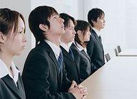 2013年度新卒採用動向調査【12月下旬現在】 その2--大学指定や外国人採用、ソーシャルメディアの活用