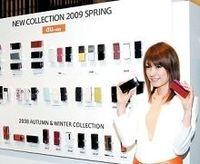 携帯電話春商戦を制するのはどこだ?販売激減でも競争過熱