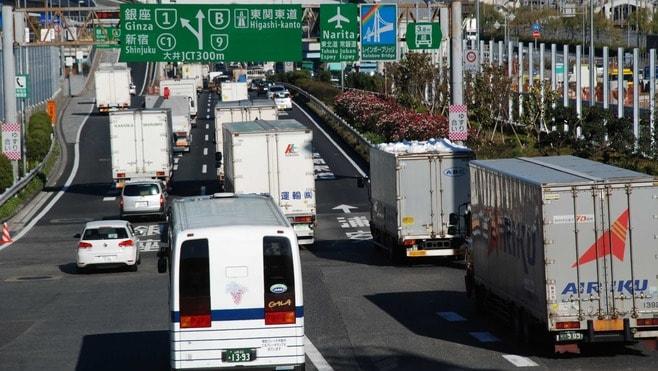 「トラック運転手」その過酷すぎる労働の実態