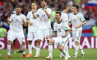 スペイン、ボール保持率75%でも勝ちきれず