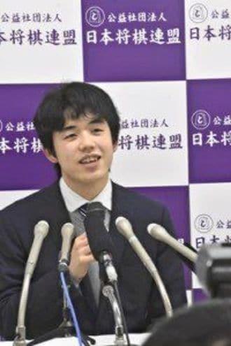 藤井聡太七段「最年少・最速」の公式戦100勝