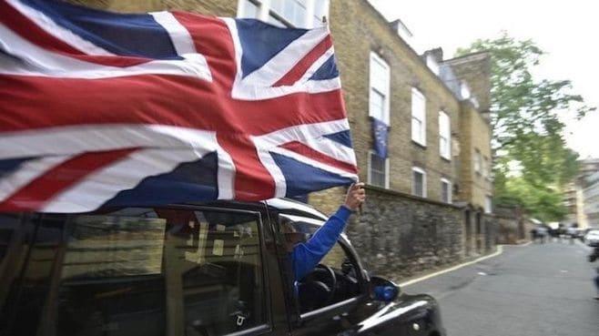 英国民は「ロシアンルーレット」で離脱選んだ