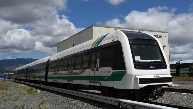 ハワイで賛否両論、「ホノルル鉄道」が来年開業