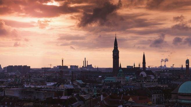 移民を「島流し」するデンマーク政府の神経