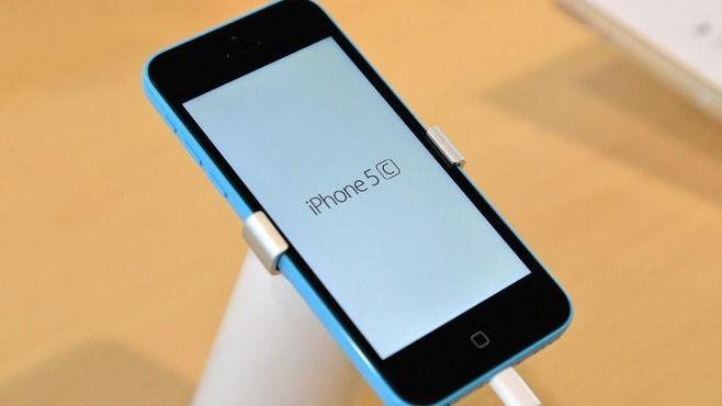 iPhoneの「i」は、どうして小文字なのか?