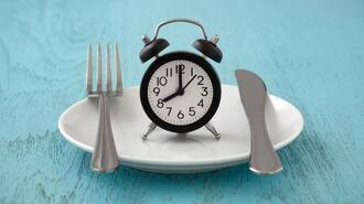 セレブ実践「朝ごはん抜き断食」がヤバい理由