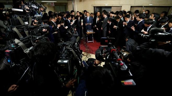 外国人からみて日本の民主主義は絶滅寸前だ