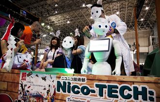 ニコニコ高校が斬る、日本の「一極完結」教育