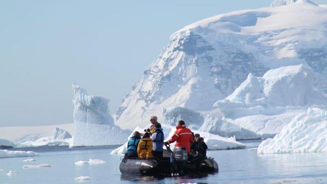 「地球の歩き方」が誘う南極大陸という魅力