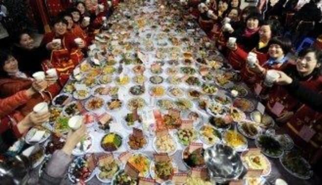 中国人は、なぜ食い散らかすのか?