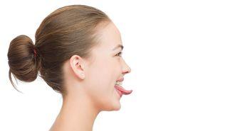 口が臭う人は正しい「舌ケア」を知らない人だ