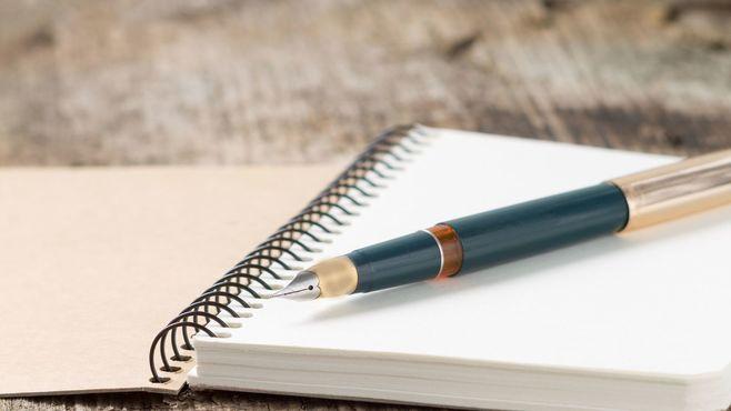 フランスの子は勉強の際に「鉛筆」を使わない