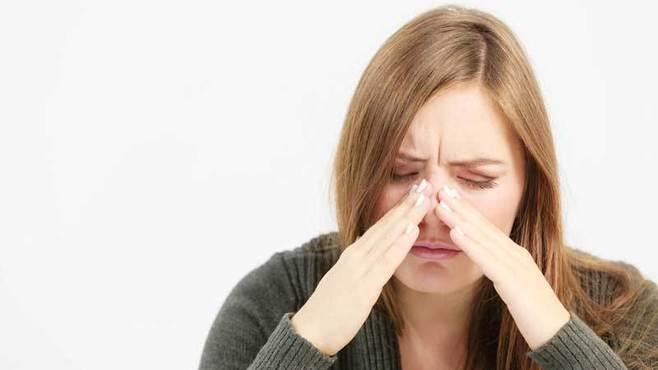 「鼻からくる歯の痛み」は一体何が原因なのか