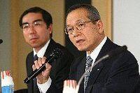 富士通は構造改革を進めた野副社長が突然の辞任、当面は間塚会長が社長兼務