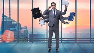 管理職と現場の「二刀流」の厳しすぎる実態