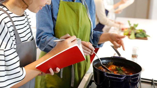 いま琴線に触れる「料理をめぐる小説」3選