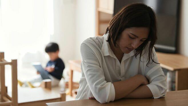 「同居人あり女性」の自殺者が増えている理由
