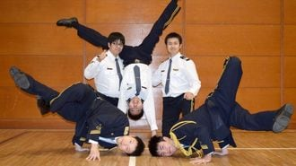 踊る5人の警察官「ポリリズム」が人気のワケ