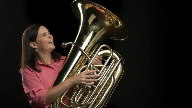 米国でチューバ奏者が作った金管ラップの凄さ