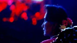 ミャンマー軍事政権スー・チー氏を汚職の罪で訴追