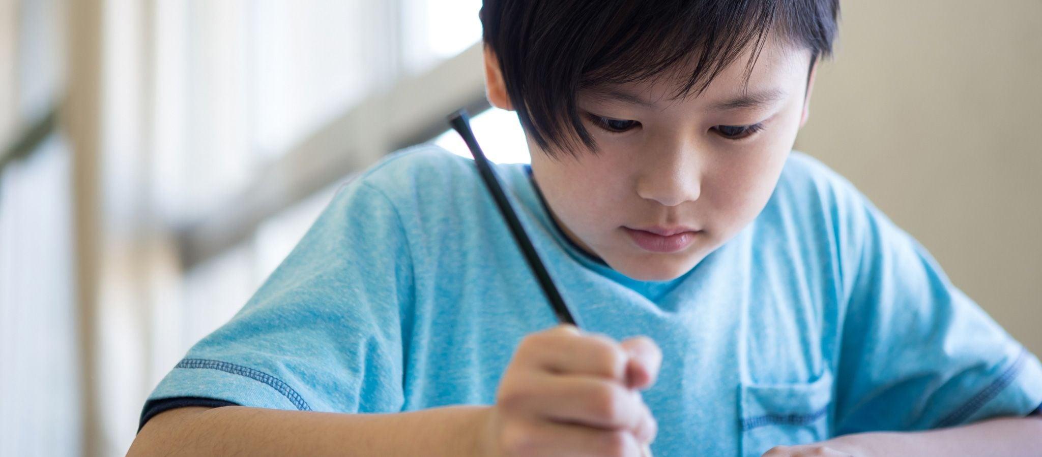 船橋市立坪井小学校の峯友明校長と萩原直之先生に聞いた「失敗恐れる優等生」に効く、うまい殻の破り方