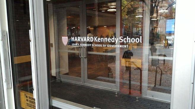 ハーバードを白熱教室にする「超競争原理」