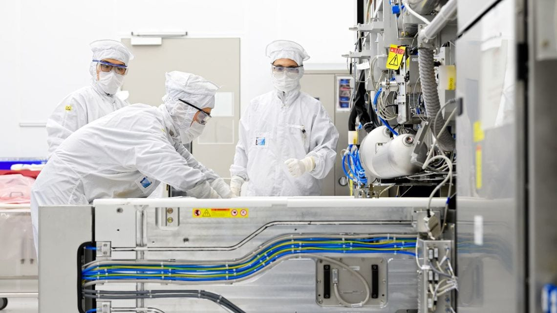 半導体製造装置ASML、2020年の対中販売は微増   「財新」中国Biz&Tech ...