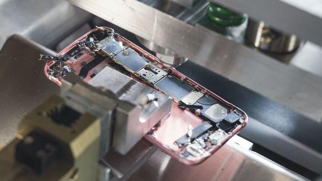 iPhone「2代目解体ロボ」、スゴすぎ性能の全貌
