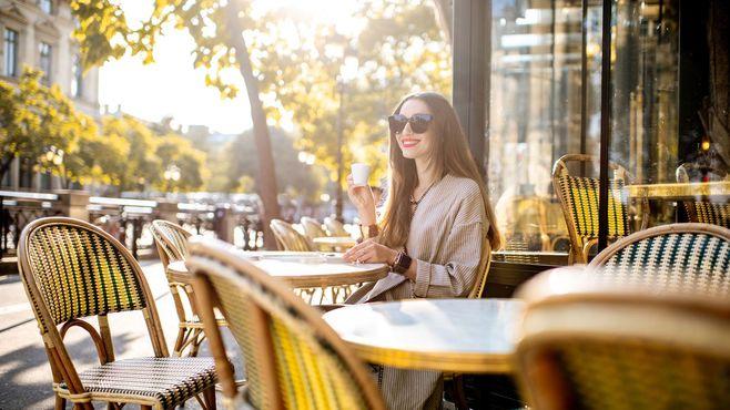 日本とフランス「稼ぐ女性の服装」はかなり違う