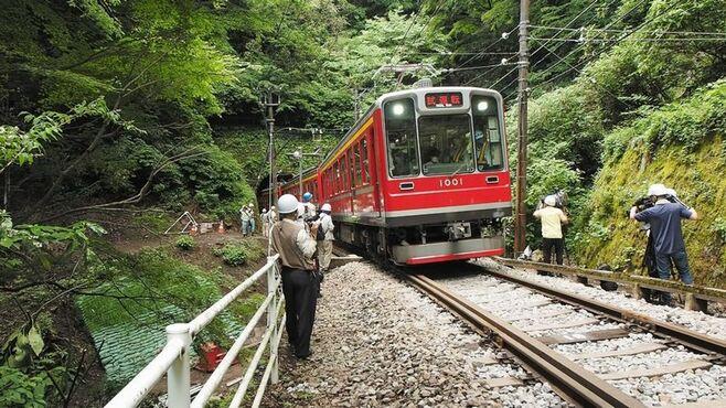 箱根登山鉄道「3カ月前倒し復旧」なぜ実現した?