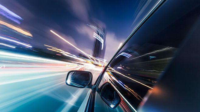 高速道路を時速235キロ、暴走男の深刻度