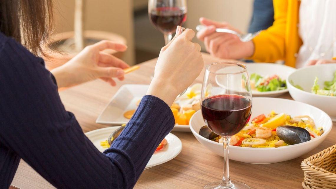 大打撃!「外食の税率10%」を乗り切る新常識 | トクを積む習慣 | 東洋 ...