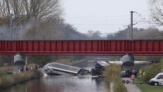 仏高速鉄道「TGV」脱線事故はなぜ起きたのか