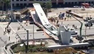 フロリダ州で歩道橋崩壊、死傷者多数の惨事