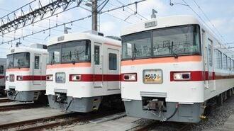東武350型、休日だけ走る「昭和の長距離列車」