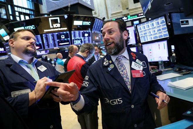 米株は小幅高、ナスダックは8000ポイント回復