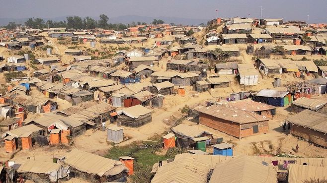 ロヒンギャ難民「泥の孤島」移送計画の現実味