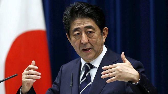 日本の平和憲法は、「降伏」に向かいつつある