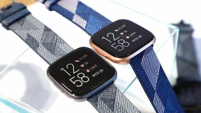「Fitbit」はアップルウォッチと何が違うのか