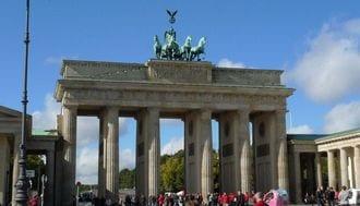ドイツには、過ちを懺悔した指導者がいた