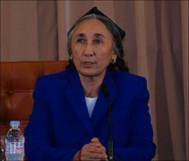 世界ウイグル会議カーディル議長が来日会見 --「われわれは中国との対話を望んでいる」