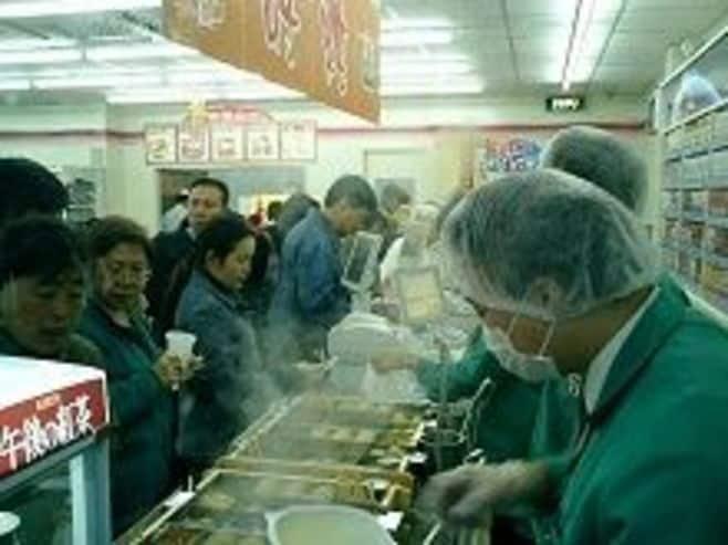 中国デモで平和堂などに壊滅的被害、主な日系スーパー、コンビニの被害状況と今後
